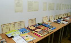 პროფესორ-მასწავლებელთა წიგნების გამოფენა