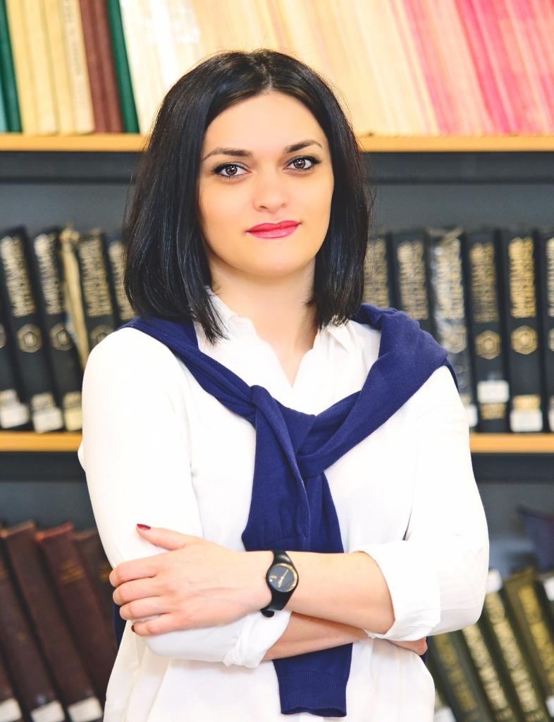 მთავარი სპეციალისტი – ლალი კახიძე  lali_kakhidze@iliauni.edu.ge / reader@iliauni.edu.ge